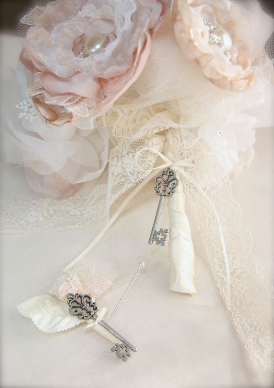 Skeleton key bouquet and boutonniere vintage wedding bouquet