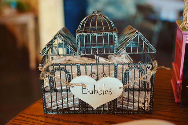 bubble wand wedding favors