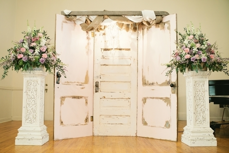 Shabby Chic Wedding Backdrop Ideas  Creative ceremony backdrops project wedding & Shabby Chic Wedding Backdrop Ideas: Rustic wedding backdrop ideas ...