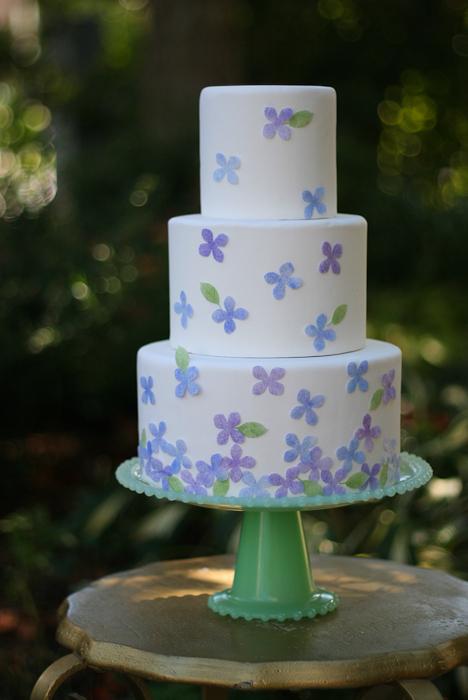 DIY: Edible Hydrangea Cake - Project Wedding